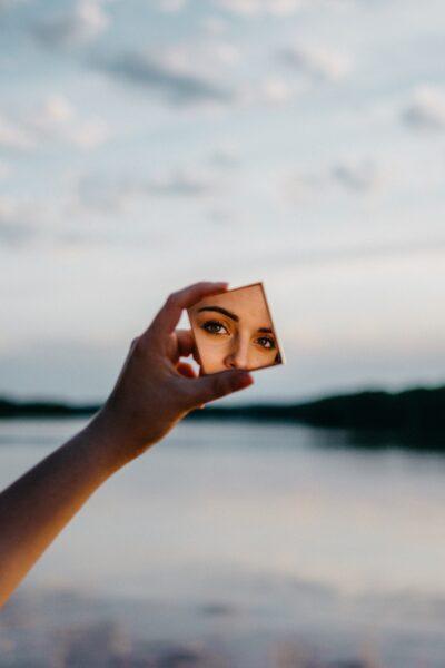 Il lavoro allo specchio